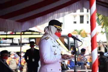 Peringati HUT Ke-76 Kemerdekaan RI, Bupati Nina Agustina Apresiasi Tenaga Kesehatan